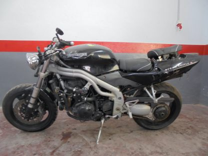 triumph-speed-triple-1050-2002-2004-nv004775_2